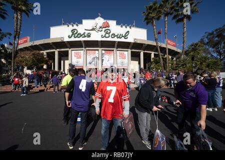 Pasadena CA. 01st Jan, 2019. Ohio State fan before the Washington Huskies vs Ohio State Buckeyes at the Rose Bowl in Pasadena, Ca. on January 01, 2019 (Photo by Jevone Moore) Credit: csm/Alamy Live News - Stock Photo