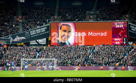 London, UK. 5th Jan 2019. Supporters hold a minutes applause in the 28th minute for Jack Morrad who was a West Ham United season ticket holder and whose body was found drowned in a fishing lake after going missing on 23 Dec 2018 during Saturday's FA Cup match against Birmingham City. during the FA Cup 3rd Round match between West Ham United and Birmingham City at the London, UK, England on 5 January 2019. Photo by Andy Rowland. . (Photograph May Only Be Used For Newspaper And/Or Magazine Editorial Purposes. www.football-dataco.com) Credit: Andrew Rowland/Alamy Live News - Stock Photo