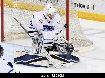 Fargo, ND, USA. 5th Jan, 2019. Fargo Force goaltender Matthew Sankner (33) makes a save during a USHL game between the Green Bay Gamblers and the Fargo Force at Scheels Arena in Fargo, ND. Fargo defeated Green Bay 4-2. Photo by Russell Hons/CSM/Alamy Live News - Stock Photo