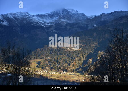 Lienzer Dolomiten, Zettersfeld, Schleiniz, Lienz, Sturm, Winter, Schnee, Sonnenfenster, Sonnenschein, Dunkelheit, Wetterumschwung, Osttirol, Wolken, G - Stock Photo