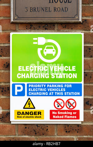 Electric vehicle charging point sign - Stock Photo