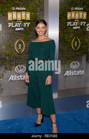 Santa Clara, California, USA. 5th Jan, 2019. January 05, 2019 - San Jose, California, U.S. - Miss Universe 2017 Demi-Leigh Nel-Peters enters the Allstate Party at the Playoff on the blue carpet prior to the College Football Playoff National Championship game between the Clemson Tigers and the Alabama Crimson Tide at Levi's Stadium, Santa Clara, California. Credit: Adam Lacy/ZUMA Wire/Alamy Live News - Stock Photo