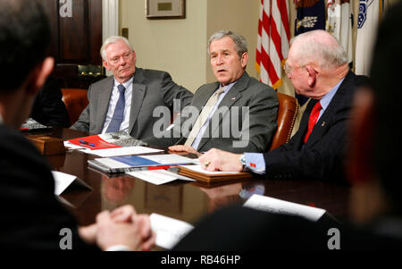 Washington, United States. 29th Jan, 2007. U.S. President George W. Bush (C) speaks to the media after a meeting with members of Securing America's Future Energy in the Roosevelt Room of the White House in Washington, DC Monday 29 January 2007. Bush is flanked by Herb Kelleher (L), Executive Chairman of Southwest Airlines Company, Bush, and Retired Marine Corps General P.X. Kelley. dpa Picture-Alliance OUT Photo via Credit: Newscom/Alamy Live News
