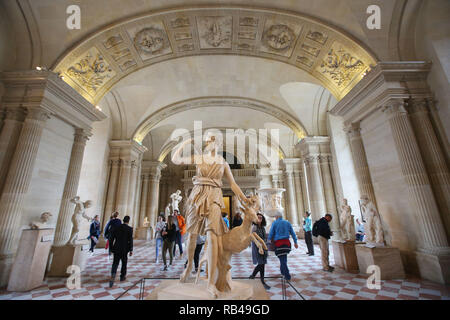 Paris, Paris, China. 5th Jan, 2019. The Louvre Museum is the world's largest art museum and a historic monument in Paris, France. A central landmark of the city, it is located on the Right Bank of the Seine in the city's 1st arrondissement. Approximately 38,000 objects from prehistory to the 21st century are exhibited over an area of 72,735 square metres (782,910 square feet). In 2018, the Louvre was the world's most visited art museum, receiving 10.2 million visitors. Credit: SIPA Asia/ZUMA Wire/Alamy Live News - Stock Photo