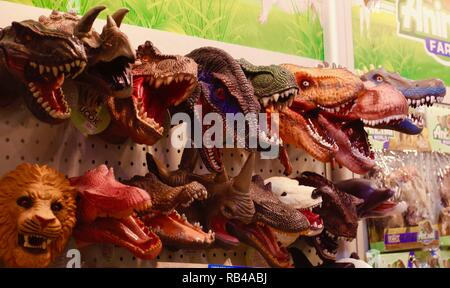 Hong Kong, CHINA. 7th Jan, 2019. Toy heads of dinosaurs are displayed at the booth during 45th HK Toys & Games Fair that attract thousand of overseas buyers to Hong Kong.Jan-7, 2019 Hong Kong.ZUMA/Liau Chung-ren Credit: Liau Chung-ren/ZUMA Wire/Alamy Live News - Stock Photo