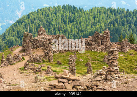 Stoanerne mandln in Sarntal Valley - Sarentino Valley - landscape in South Tyrol, northern Italy, Europe. Summer landscape. - Stock Photo