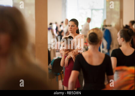 Cheer Girls High Resolution Stock Photography and Images