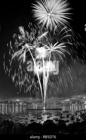 Boston, 4th of July fireworks celebration on the Charles River in Boston Ma USA 1990's photo by bill belknap - Stock Photo