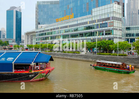 Clarke Quay on the Singapore River, Singapore, Asia. - Stock Photo
