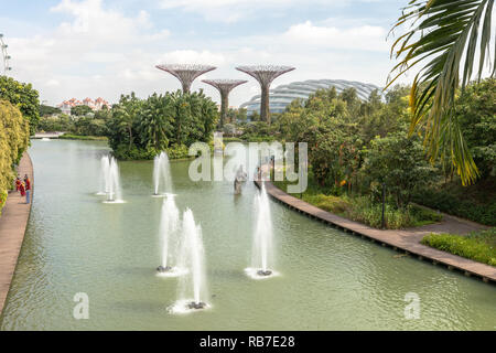 Singapore - december 2018: Dragonfly lake in the botanical garden, Gardens by the Bay in Singapore. - Stock Photo