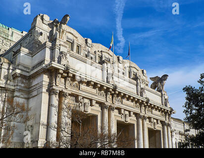 Main entrance portico of the Milano Centrale train station on Piazza Duca d'Aosta. Milan, Lombardy, Italy. - Stock Photo