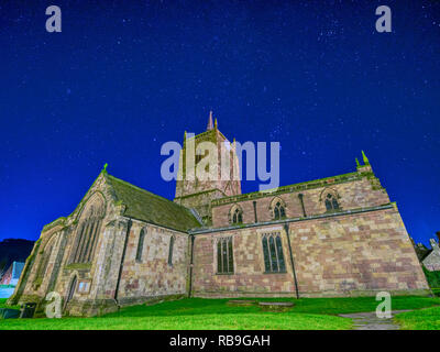Wirksworth, Derbyshire, Peak District, UK. 8th January, 2019. UK Weather: cold clear stars in the night sky St. Mary's Church, Wirksworth, Derbyshire, Peak District Credit: Doug Blane/Alamy Live News - Stock Photo