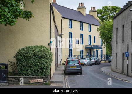 A narrow street with cars in Kirkwall, Orkney, Scotland, United Kingdom, Europe. - Stock Photo