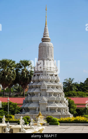 Royal Stupa in the Silver Pagoda compound within the Royal Palace complex. Phnom Penh, Cambodia, southeast Asia - Stock Photo