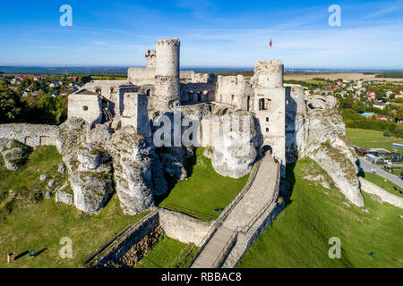 The ruins of medieval castle on the rock in Ogrodzieniec, Poland. One of strongholds  called Eagles Nests in Polish Jurassic Highland in Silesia. - Stock Photo