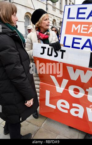 Westminster, London, UK. 10th Jan 2019. Anna SoubryConservative MP (pictured with Labour MP Jess Phillips)met peaceful Pro and Anti Brexit protesters and reassured them that she had no issues with them, College Green, Westminster, London.UK Credit: michael melia/Alamy Live News - Stock Photo