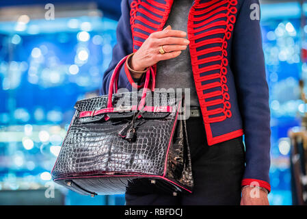 London, UK. 10th Jan 2019. Hermes Crocodile Birkin Handbag, £45,000, in Luxdelux Reserve - The Mayfair Antiques & Fine Art Fair, London Marriott Hotel Grosvenor Square. Credit: Guy Bell/Alamy Live News - Stock Photo