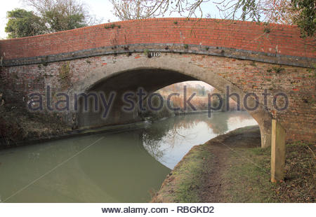 early morning on the oxford canal  at napton on the hill in oxfordshire - Stock Photo