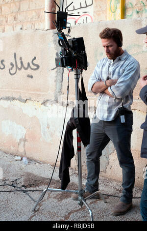 Prod DB © Acacia Filmed Entertainment - Thunder Road Pictures / DR A PRIVATE WAR de Matthew Heineman 2018 USA/GB Matthew Heineman sur le tournage on set; tournage - Stock Photo