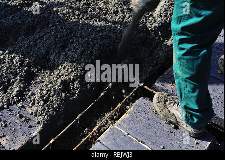 roof, building, concreting, flooring, laying, pouring, wet works, cement, covering, insulation, construction, business, company, services, height, da - Stock Photo