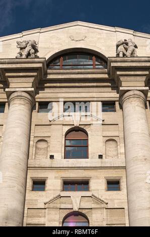 Palazzo Mezzanotte or Palazzo della Borsa (1932), Italy's main stock exchange headquarters in  Milan, Italy - Stock Photo