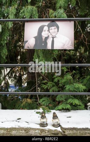 Simple shrine commemorating the murdered journalist Jan Kuciak and his fiance Martina Kusnirova (Banska Stiavnica, Slovakia) - Stock Photo