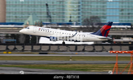 Richmond, British Columbia, Canada. 11th Jan, 2019. A Delta Connection (Compass Airlines) Embraer 175 (N628CZ) jet airliner takes off from Vancouver International Airport. The airliner is owned and operated by Compass Airlines and flies under contract to Delta Air Lines. Credit: Bayne Stanley/ZUMA Wire/Alamy Live News - Stock Photo