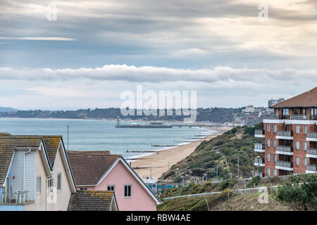 Bournemouth, Dorset, UK. 12th January 2019. Winter sun over beach in Bournemouth on a winters day. Credit: Thomas Faull/Alamy Live News - Stock Photo
