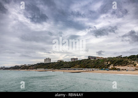 Bournemouth, Dorset, UK. 12th January 2019. Overcast weather over the beach in Bournemouth in Dorset. Credit: Thomas Faull/Alamy Live News - Stock Photo