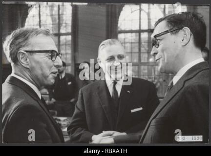 Activiteiten minister van financien zijlstra in 1966 1967, Bestanddeelnr 093-1330. - Stock Photo