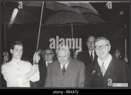 Activiteiten minister van financien zijlstra in 1966 1967, Bestanddeelnr 093-1331. - Stock Photo