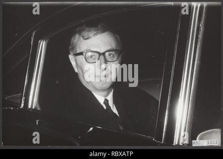 Activiteiten minister van financien zijlstra in 1966 1967, Bestanddeelnr 093-1333. - Stock Photo