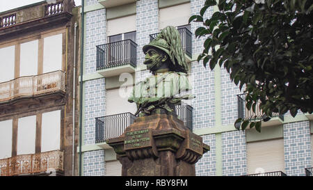 Guilherme Gomes Fernandes monument by Bento Candido Silva in Porto, Portugal - Stock Photo