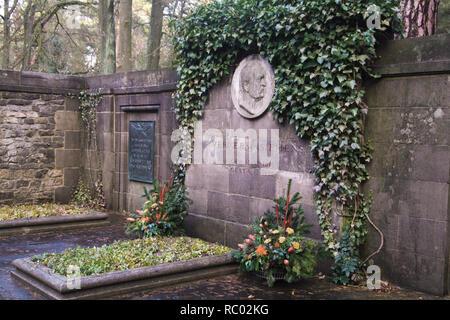 Südwest Kirchhof Stahnsdorf, Grabstätte der Familie von Siemens, Werner von Siemens, Industrieller, Berlin, Deutschland, Europa | Southwest Churchyard - Stock Photo