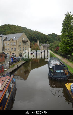 Narrowboats on the Rochdale Canal at Hebden Bridge. - Stock Photo