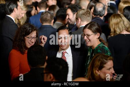 Washington, DC. 12th Oct, 2016. United States Department of Housing and Urban Development Secretary Julian Castro (C) attends a reception for Hispanic Heritage Month in the East Room of the White House on October 12, 2016 in Washington, DC. Credit: Olivier Douliery/Pool via CNP | usage worldwide Credit: dpa/Alamy Live News - Stock Photo
