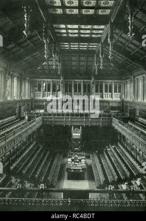 The old chamber of the House of Commons was in use between 1852 and 1941, when it was destroyed by German bombs in the course of the Second World War. - Stock Photo