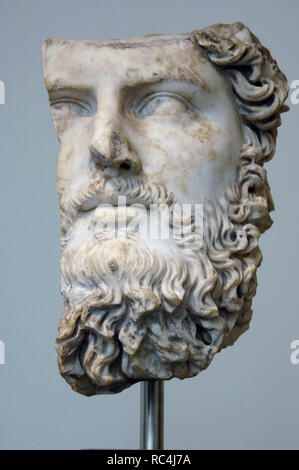 Lucius Verus Augustus. (130-169). Roman Emperor (161-169). Fragmentary roman marble bust. Antonine period. It comes from a villa in Acqua Traversa (near Rome). Metropolitan Museum of Art. New York. United States. - Stock Photo