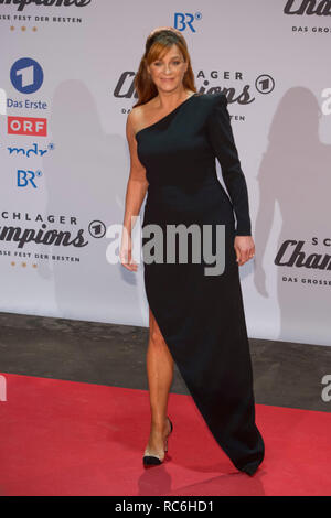 Berlin, Deutschland. 12th Jan, 2019. Andrea BERG, Germany, singer, pop singer, musician, red carpet, Red Carpet Show, arrival, arrival, 'Schlagerchampions - the big festival of the best' on the 12.01.2019 in the Velodrom Berlin,   usage worldwide Credit: dpa/Alamy Live News - Stock Photo