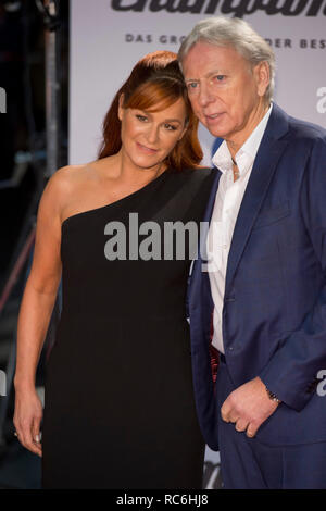 Berlin, Deutschland. 12th Jan, 2019. Andrea BERG, Germany, singer, pop singer, musician, with husband Ulrich FERBER Red Carpet, Red Carpet Show, arrival, arrival, 'Schlagerchampions - the big festival of the best' on the 12.01.2019 in the Velodrom Berlin,   usage worldwide Credit: dpa/Alamy Live News - Stock Photo