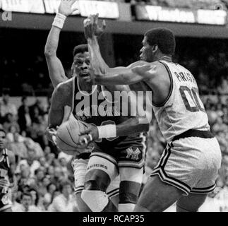 Game action NY Knicks Patrick Ewing and Bosotn Celtics Robert Parish at the Fleet Center in Boston Ma USA 1997 photo by bill belknap - Stock Photo