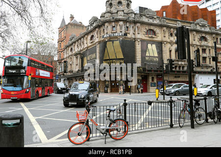 Shaftesbury Theatre featuring Motown the Musical on Shaftesbury Avenue in London WC2 England UK    KATHY DEWITT - Stock Photo