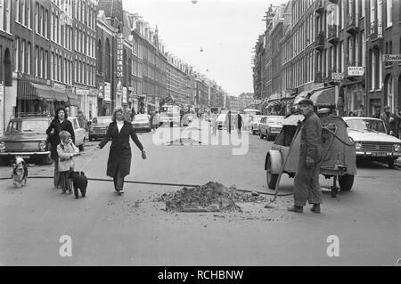 Albert Cuypmarkt verplaatst naar Sarphatipark ivm werkzaamheden werkzaamhede, Bestanddeelnr 925-5070. - Stock Photo