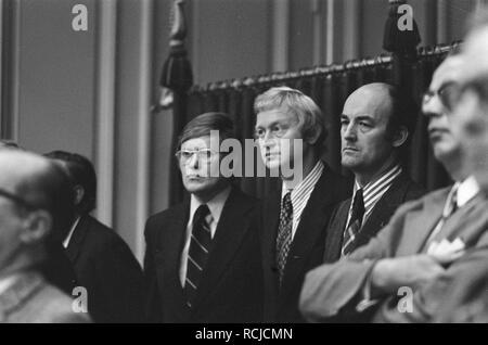 Algemene beschouwingen Tweede Kamer vlnr Wiegel, Andriessen en Aantjes, Bestanddeelnr 927-4978. - Stock Photo
