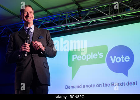 London, UK. 15th January, 2019. Dominic Grieve, Conservative MP for Beaconsfield, addresses pro-EU activists attending a People's Vote rally in Parliament Square as MPs vote in the House of Commons on Prime Minister Theresa May's proposed final Brexit withdrawal agreement. Credit: Mark Kerrison/Alamy Live News - Stock Photo