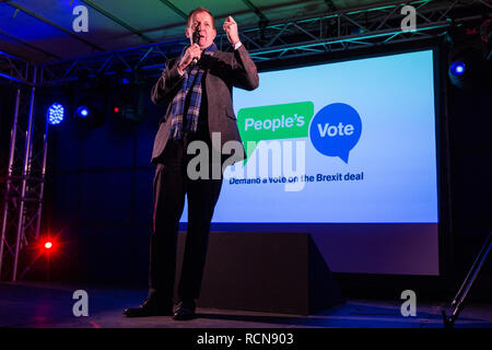 London, UK. 15th January, 2019. Alastair Campbell, journalist, broadcaster, political aide and author, addresses pro-EU activists attending a People's Vote rally in Parliament Square as MPs vote in the House of Commons on Prime Minister Theresa May's proposed final Brexit withdrawal agreement. Credit: Mark Kerrison/Alamy Live News - Stock Photo