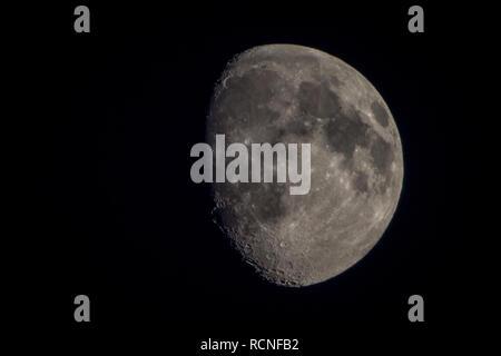 Zunehmder Mond - Stock Photo