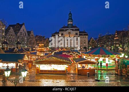 Christmas market, town hall, Lueneburg, Lower Saxony - Stock Photo