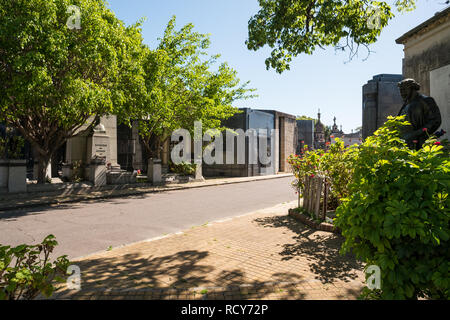November 29, 2014 - Buenos Aires, Argentina: The Chacarita Cemetary in Buenos Aires, Argentina on a summer day. Photo Credit: Sara Armas / Alamy - Stock Photo