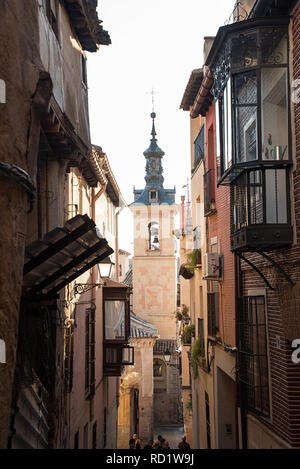 Toledo, Castilla-La Mancha, Spain. Old medieval town, narrow street, church. - Stock Photo